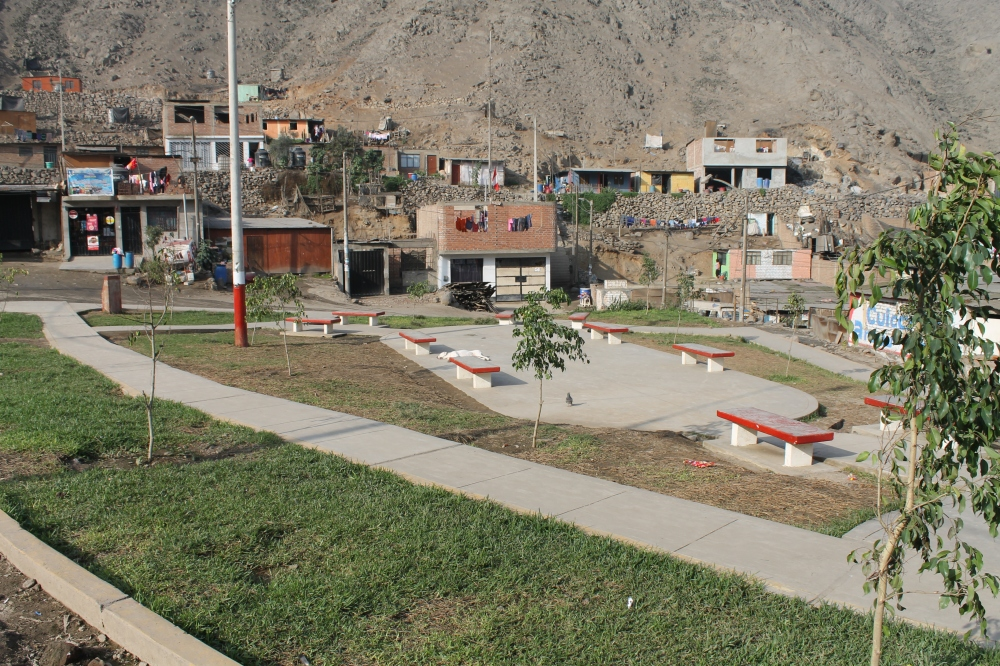 A park has been built by current mayor Eveling Feliciano, though a school and medical post relied on funds from foreign NGOs